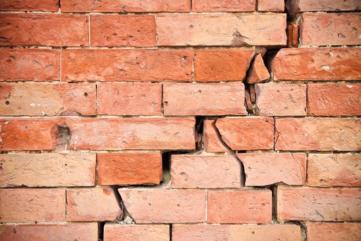 Wall settling cracks